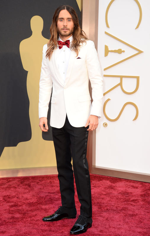 Jared Leto owned the red carpet in this creamy white tuxedo jacket and red bow tie. Also, he has better ombre hair than most women trying out the trend, just saying. On point!