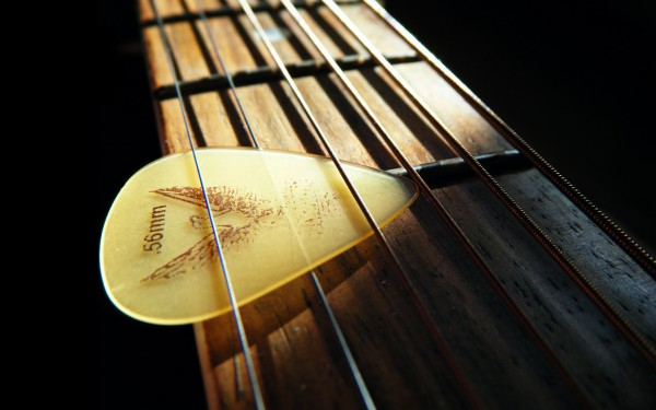 guitar-macro-wallpaper-1440x900c